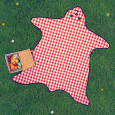 Amazing Picnic Blanket is shaped like a Bear Skin!